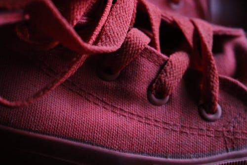 Безкоштовне стокове фото на тему «pexels, взуття, фотографія, червоні туфлі»