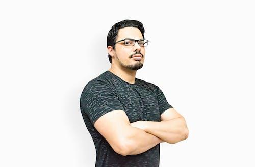 Free stock photo of 1 homem, barba, bigode, braços cruzados