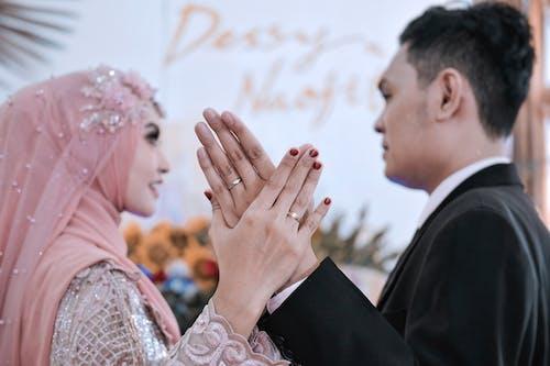 Fotos de stock gratuitas de alegría, amor, anillos de boda
