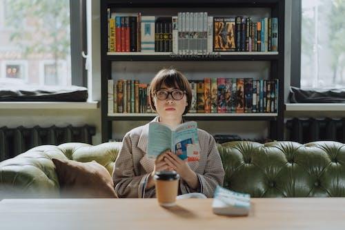 Gratis lagerfoto af bibliotek, bog, boghandel