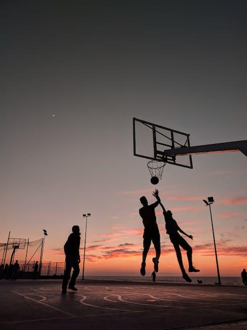 Gratis lagerfoto af aften, atlet, bagbelyst