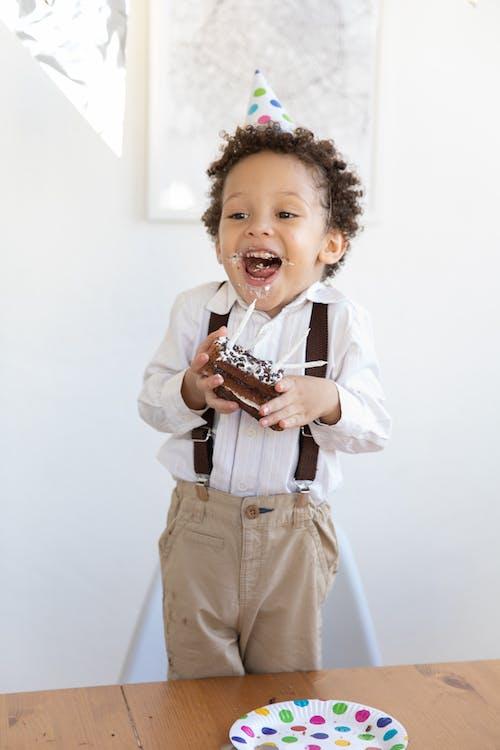 Kostenloses Stock Foto zu drinnen, familie, freizeit, freude