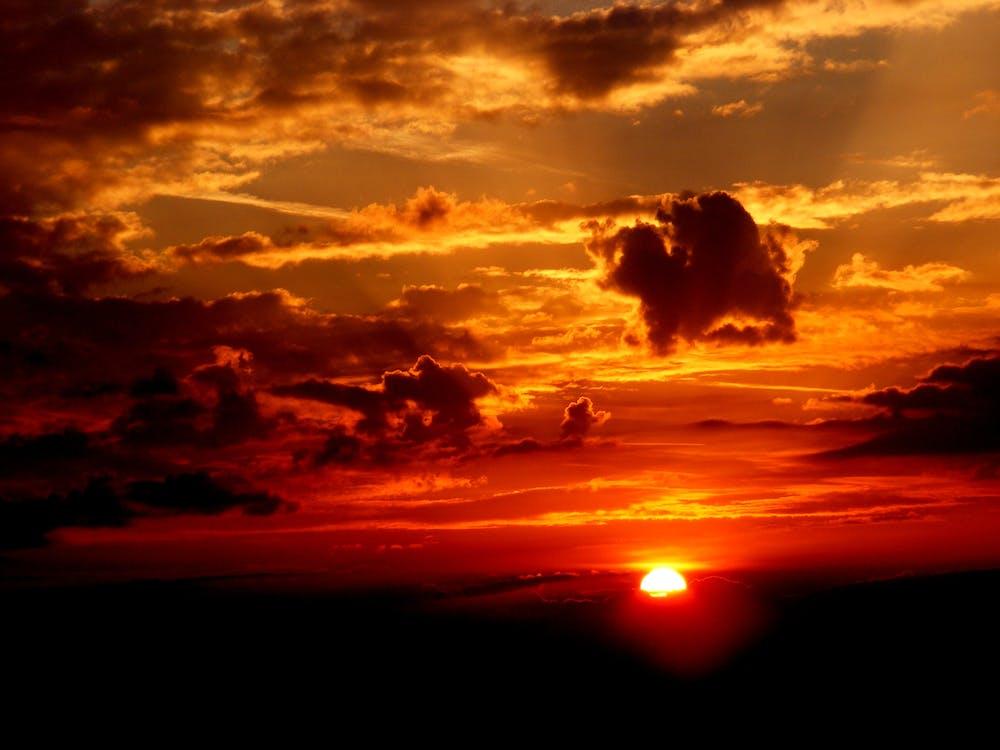 ดวงอาทิตย์, ตะวันลับฟ้า, ท้องฟ้า