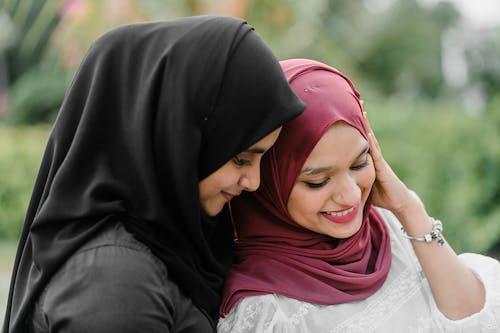 Kostnadsfri bild av barn, flicka, ha på sig, hijab