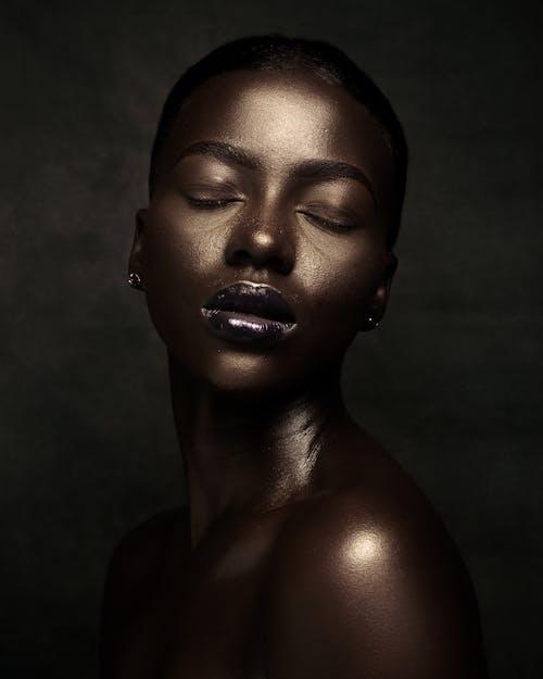 アフリカ人女性, かすかに, きらめきの無料の写真素材