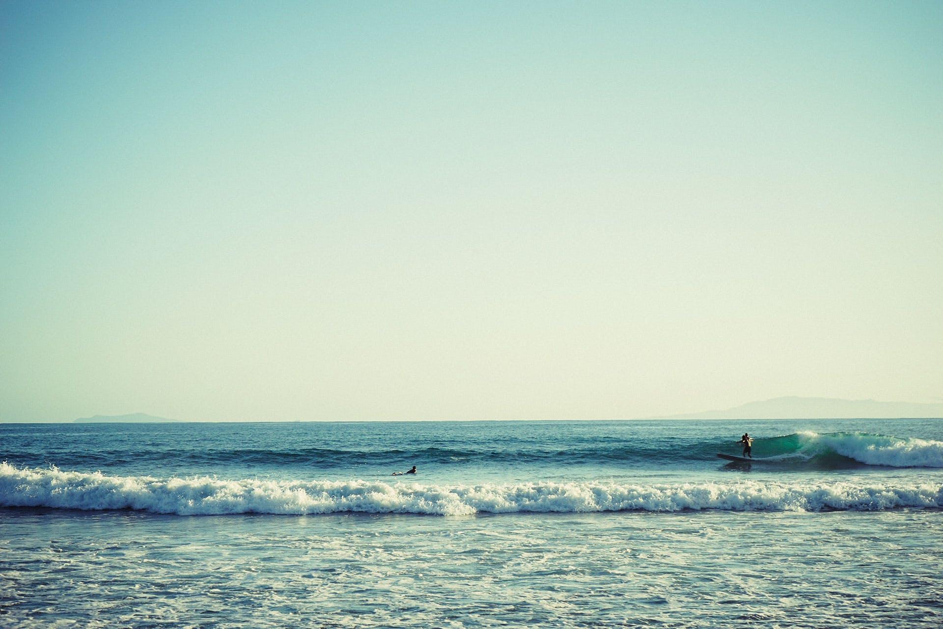 Foto d'estoc gratuïta de acomiadar-se, fent surf, mar, platja