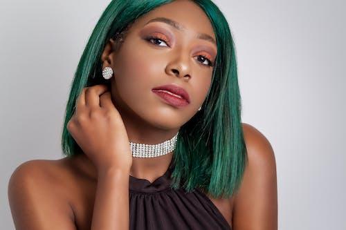 Kostnadsfri bild av 20-25 år gammal kvinna, afrikansk amerikan kvinna, ansiktsmodell, diamant halsband