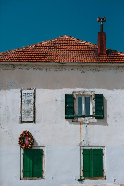 Безкоштовне стокове фото на тему «архітектура, блакитне небо, Будівля, будівництво»