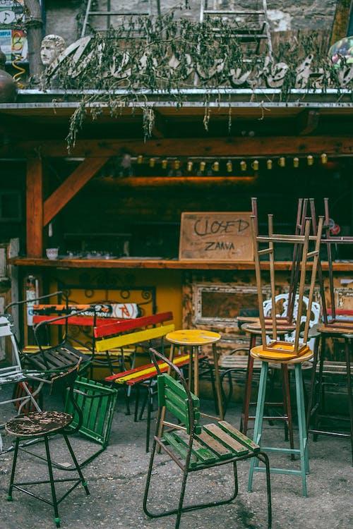 Безкоштовне стокове фото на тему «архітектура, бар, барвистий, бізнес»
