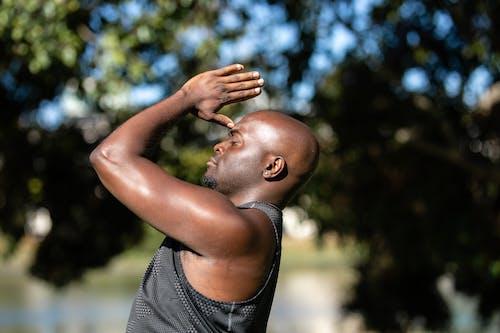 アフリカ系アメリカ人, おとこ, グレータンクトップの無料の写真素材