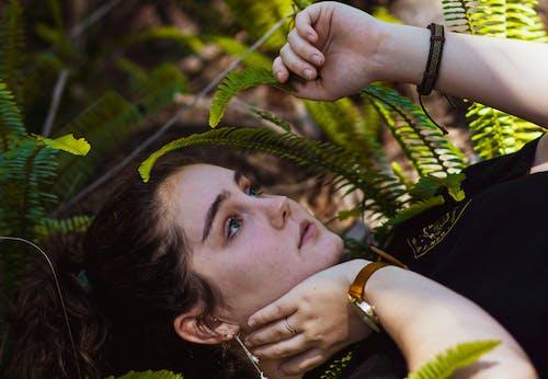 Бесплатное стоковое фото с девочка, девушка, зеленые глаза