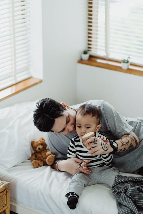 Foto profissional grátis de cama, colagem, em casa