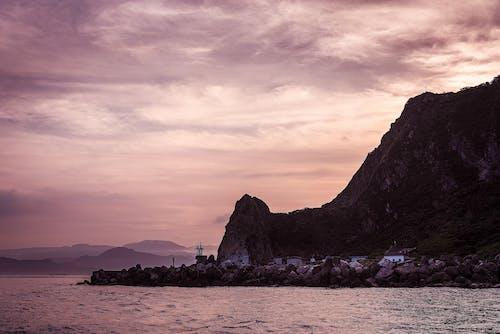 Fotobanka sbezplatnými fotkami na tému cestovať, hora, krajina, krajina pri mori
