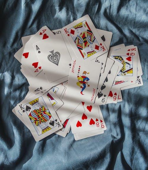 คลังภาพถ่ายฟรี ของ arte fotografico, cartas, cartas de póker, fotografiando