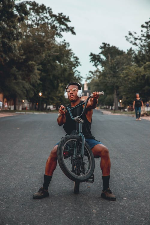 Základová fotografie zdarma na téma akce, biker, cyklista, dítě