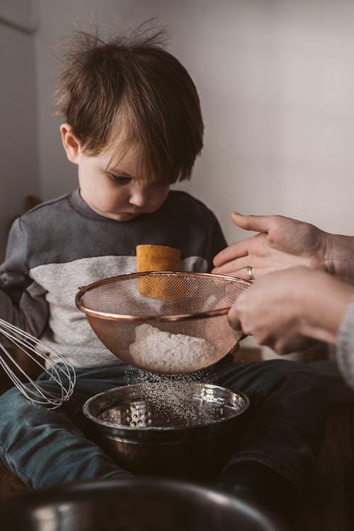 Kostnadsfri bild av bakning, barn, inomhus