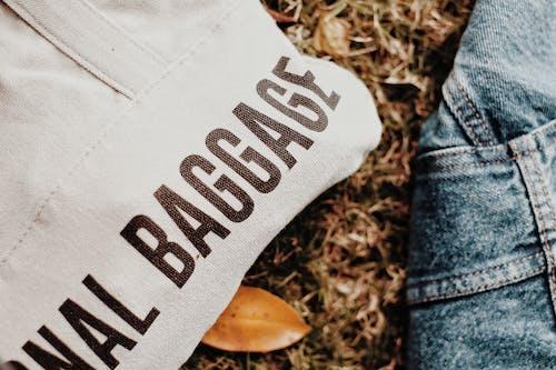 Foto stok gratis bagasi, bisnis, celana, dasar