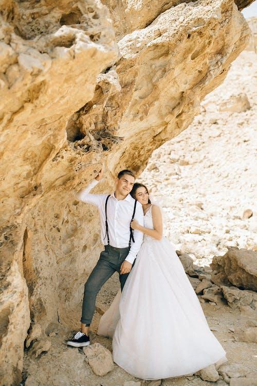 Kostenloses Stock Foto zu @draussen, bildlich, braut und bräutigam