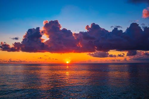ビーチ, ビーチの夕日, 海での無料の写真素材