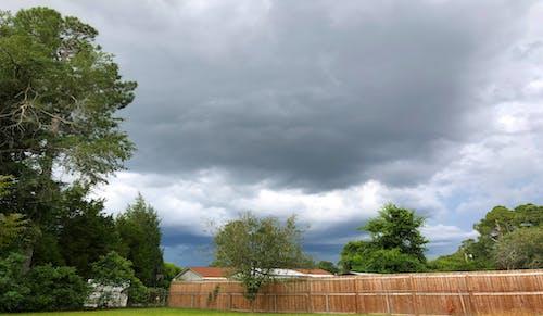 Kostenloses Stock Foto zu dunkle wolken, gewitter