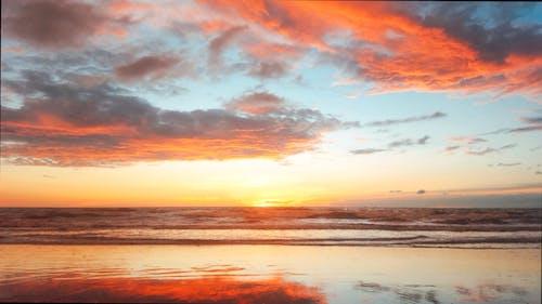 Foto stok gratis awan langit, cakrawala emas, desain web, gelombang laut