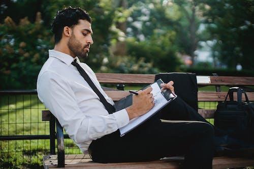 Základová fotografie zdarma na téma bílé dlouhé rukávy, černé kalhoty, denní