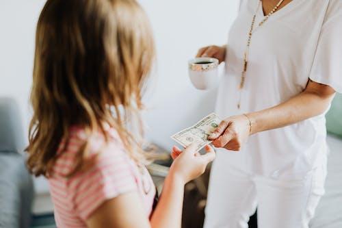 Gratis stockfoto met amerikaanse dollar, betalen, betaling, contant geld