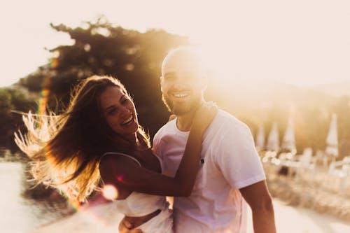 Photos gratuites de affection, amour, amusement, brincadeira