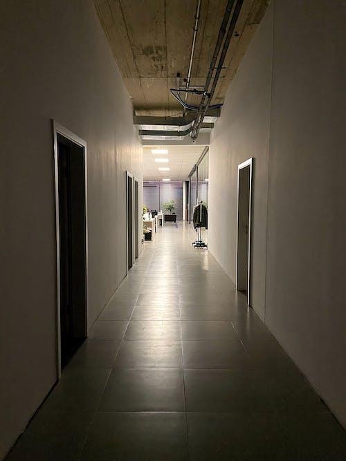 Fotos de stock gratuitas de detalle arquitectónico, diseño de interiores, fotografía de arquitectura, lugar de trabajo