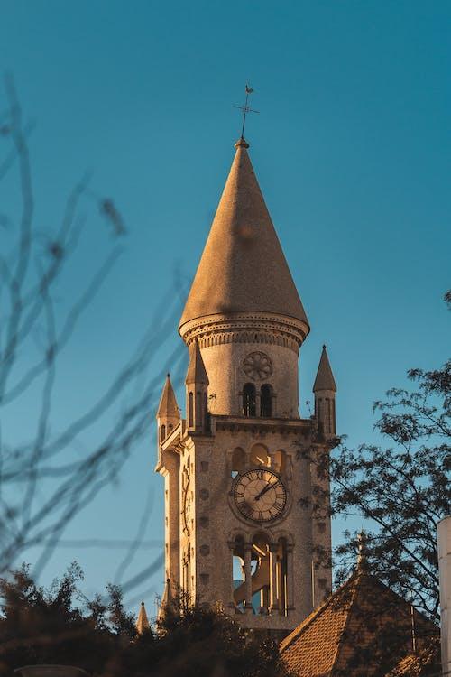 Gratis arkivbilde med céu azul, igreja, religião, relógio antigo