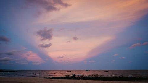 낚시 마을, 보트, 일몰, 핑크 하늘의 무료 스톡 사진