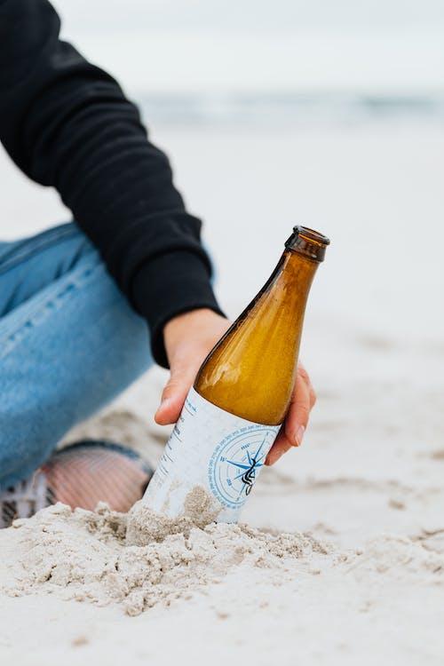 Immagine gratuita di acqua, birra, divertimento, donna