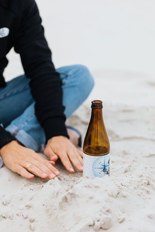 Immagine gratuita di amore, birra, divertimento, donna
