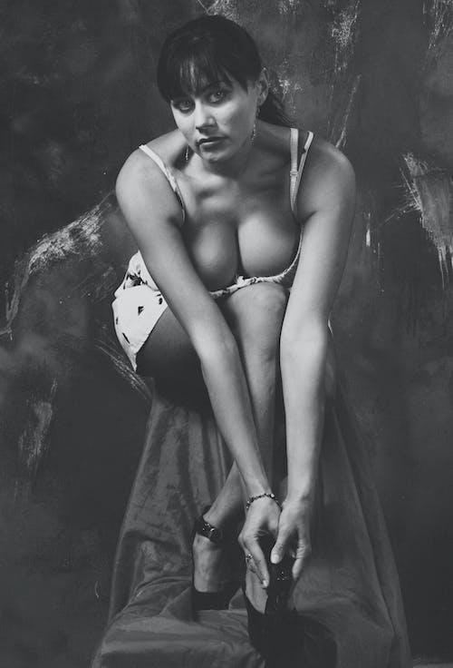 Fotobanka sbezplatnými fotkami na tému девушка, лицо, монохромный, прекрасный