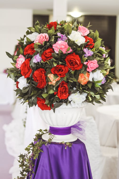 Red Roses Bouquet on White Vase