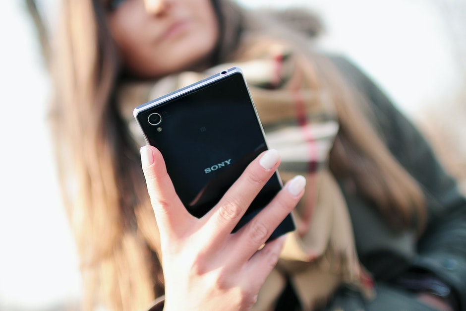 hand, person, smartphone