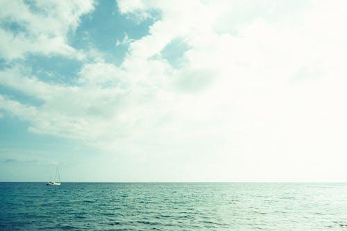 Immagine gratuita di barca, barca a vela, mare