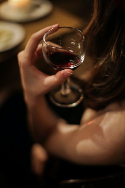 Fotobanka sbezplatnými fotkami na tému anonymný, atmosféra, červené víno, jesť večeru