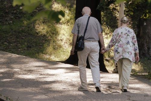 คลังภาพถ่ายฟรี ของ การเดิน, คู่เก่า, ซอย, ตรอก