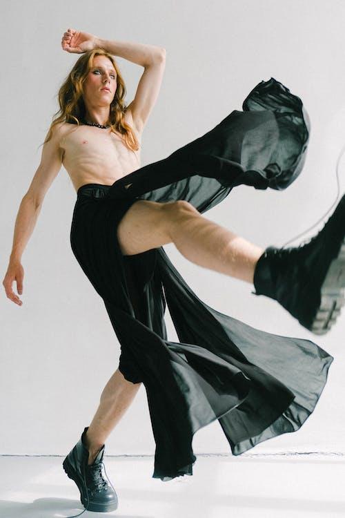 Gratis stockfoto met beweging, blote borst, fashion