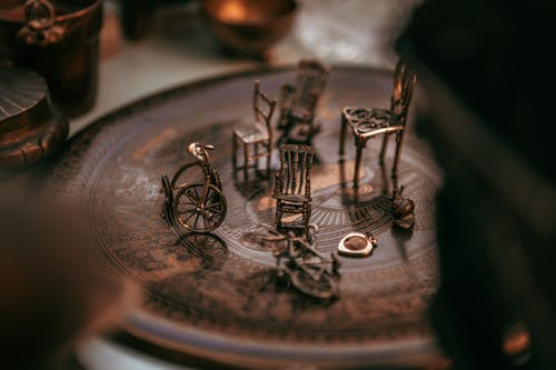 Collection of metal vintage tiny furniture