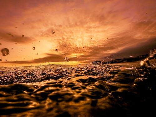 Foto d'estoc gratuïta de esquitxada, esquitxar, horitzó daurat, oceà