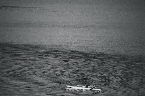 Su, suda dinlenmek içeren Ücretsiz stok fotoğraf