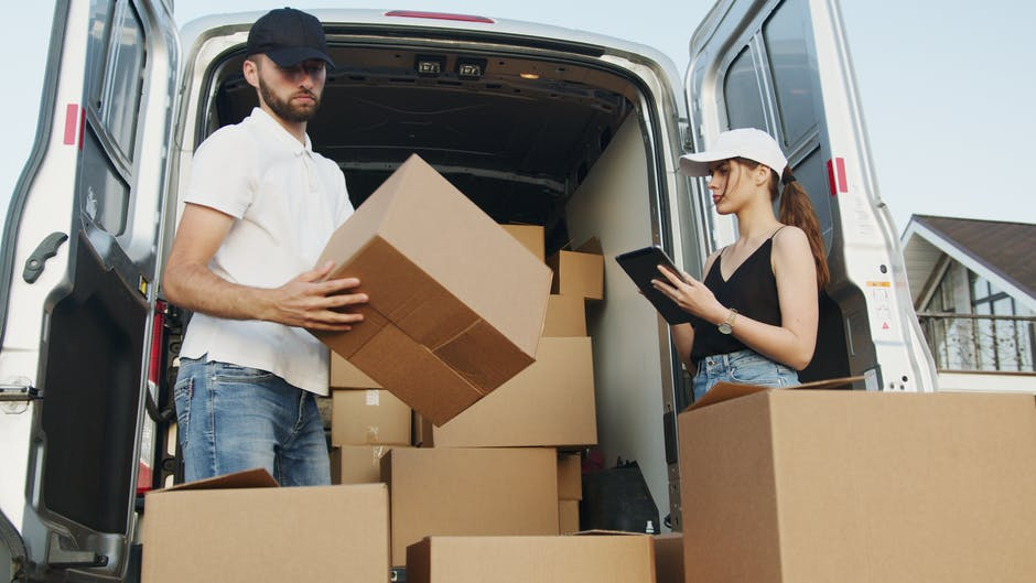 9 Tips to Consider When Hiring Movers and Packers in Dubai Marina