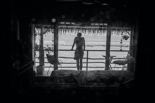 Ingyenes stockfotó ablak, ablakon keresztül, békés, bw témában