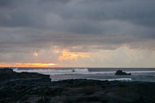 Kostnadsfri bild av dramatisk, fyr, gryning, hav