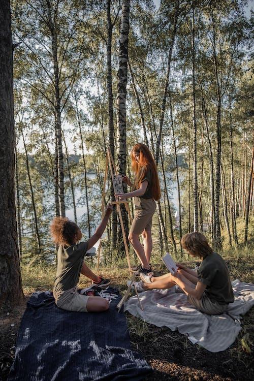 Fotos de stock gratuitas de adulto, al aire libre, amor, árbol