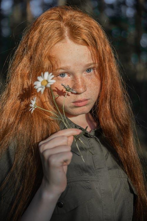 Fotos de stock gratuitas de adulto, bonita, bonito, cabello
