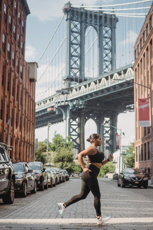 Immagine gratuita di adulto, architettura, città, donna