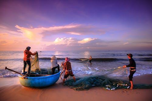 Gratis lagerfoto af aften, båd, fiskekutter, fisker